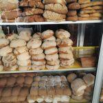 Boulangerie bien achalandée