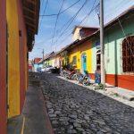 rue pavée à Flores