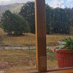 à l'abri de la pluie